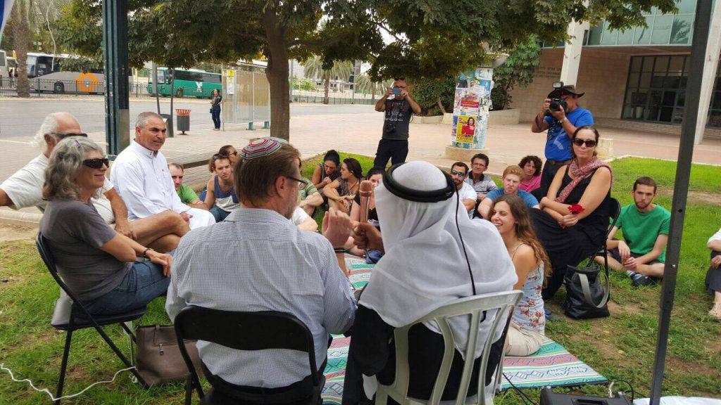 הרב של הקהילה המסורתית והקאדי של רהט בשיחה על החיים המשותפים באירוע של דרכנו בבאר שבע